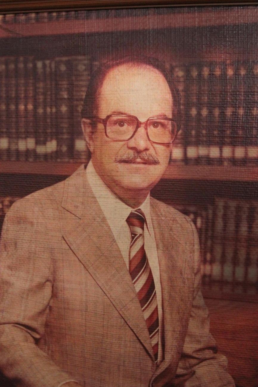 Dr. Alfonso Pérez Romo