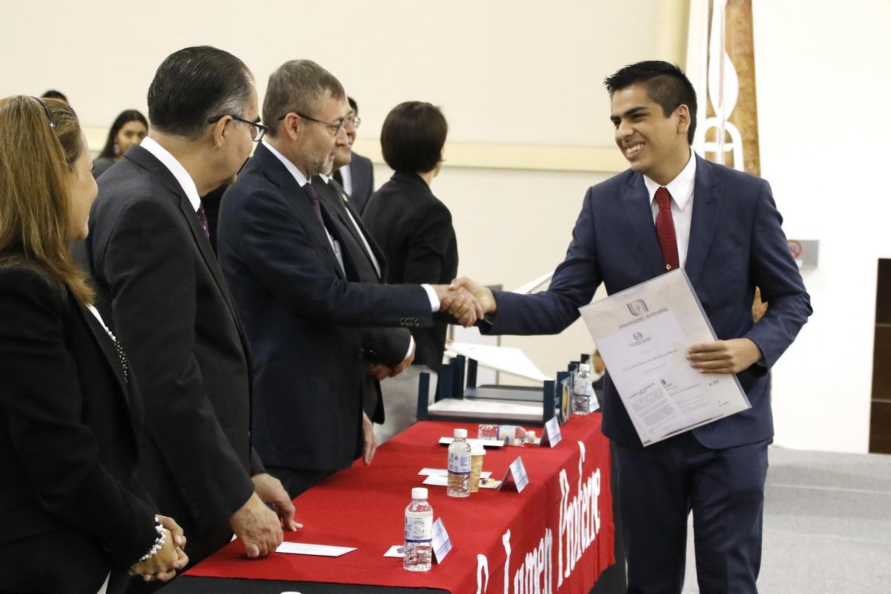 Reciben su título más de mil 300 egresados de la Universidad Autónoma de Aguascalientes