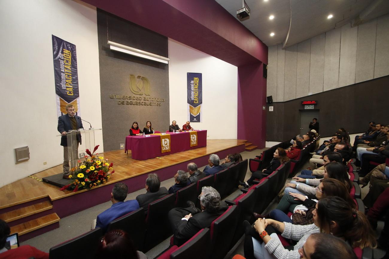Más de mil trabajadores de la UAA se habilitaron en conocimientos teóricos y prácticos para el fortalecimiento de la Institución