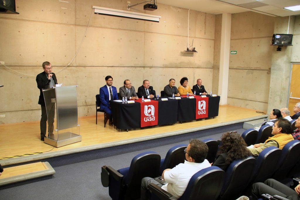 UAA rinde homenaje al precursor de la radio cultural de la entidad, José Dávila Rodríguez