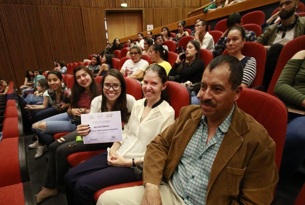 UAA galardona a estudiantes destacados del departamento de Comunicación