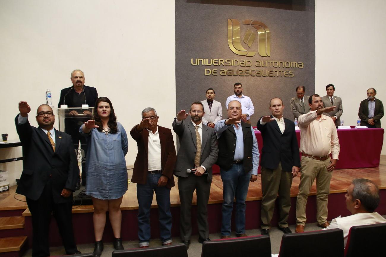 Catedrático de la UAA asume la presidencia de la Asociación Hidrocálida de Médicos Veterinarios Especialistas en Bovinos A.C.