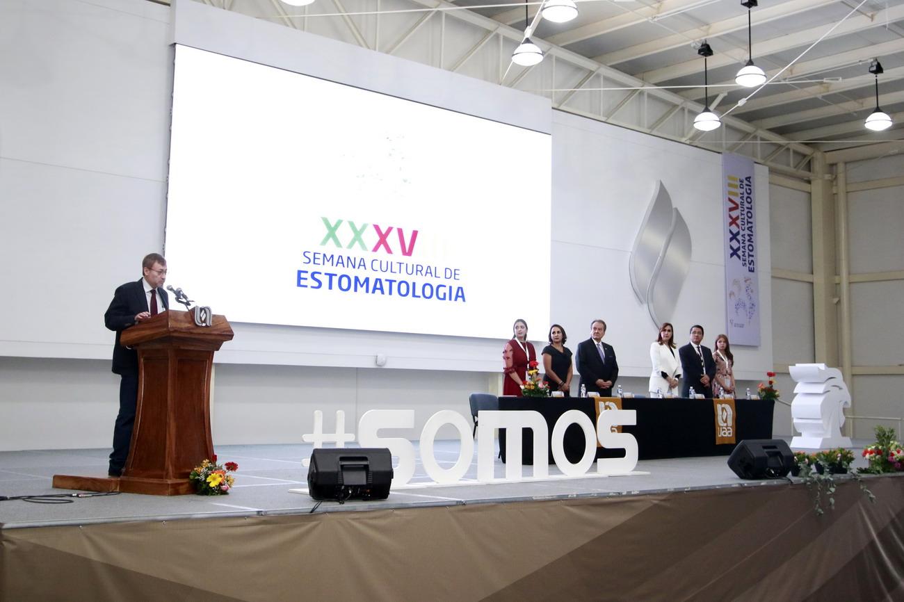UAA reúne a más de 500 especialistas de la salud para la trigésima octava Semana Cultural de Estomatología