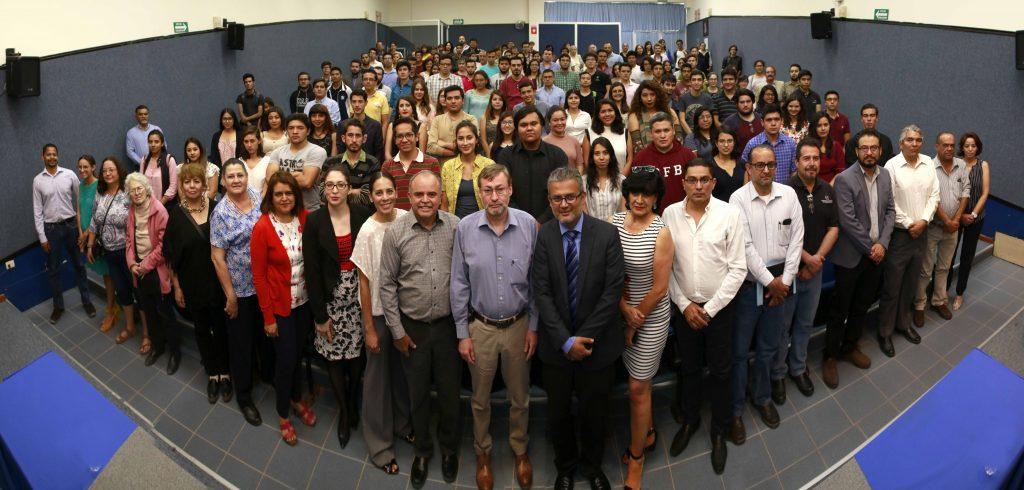 UAA entrega de reconocimientos a alumnos de excelencia del Centro de Ciencias Básicas