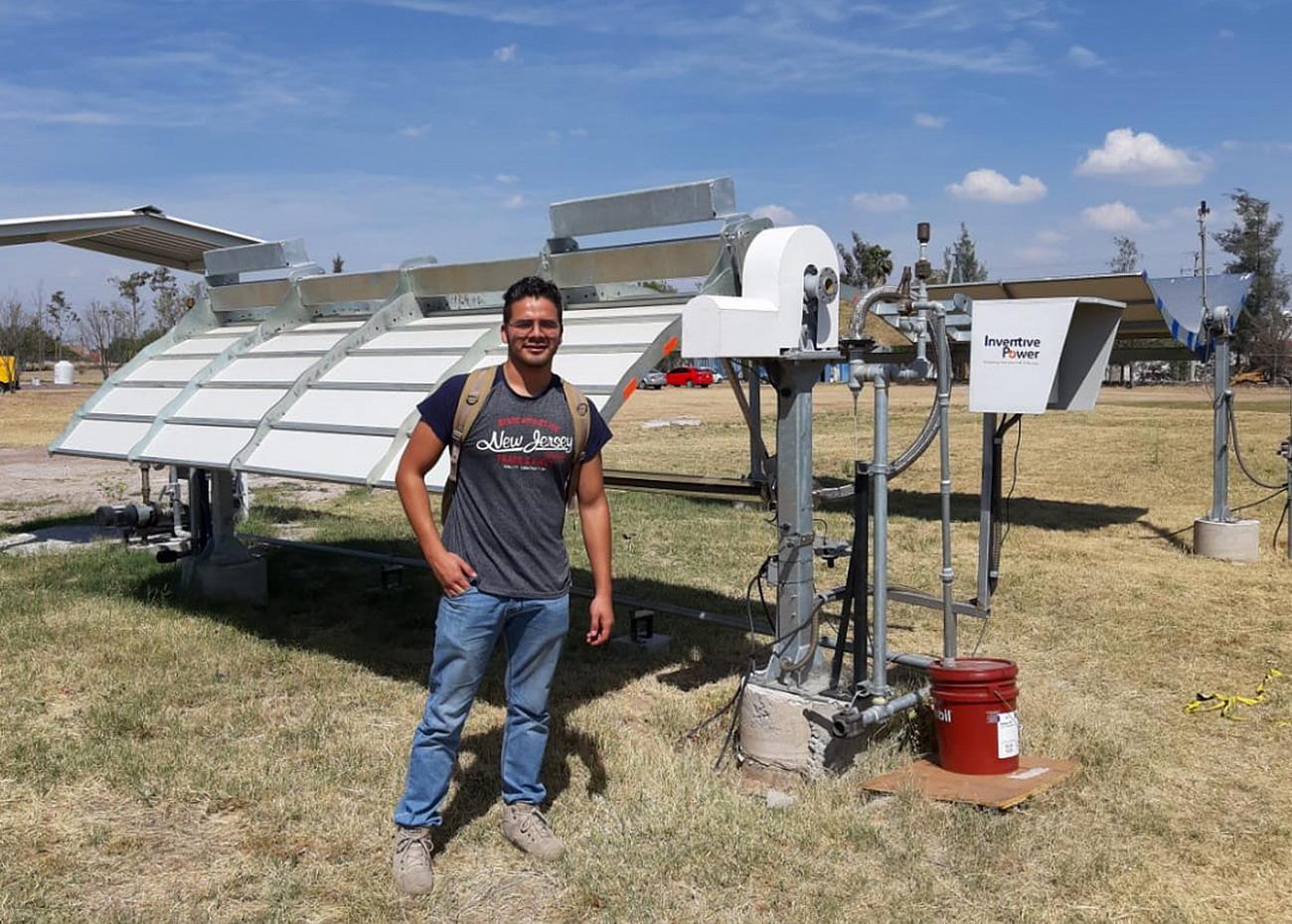 Alumno de la Ingeniería en Energías Renovables de la UAA desarrolla dispositivo para aprovechar la energía solar al máximo