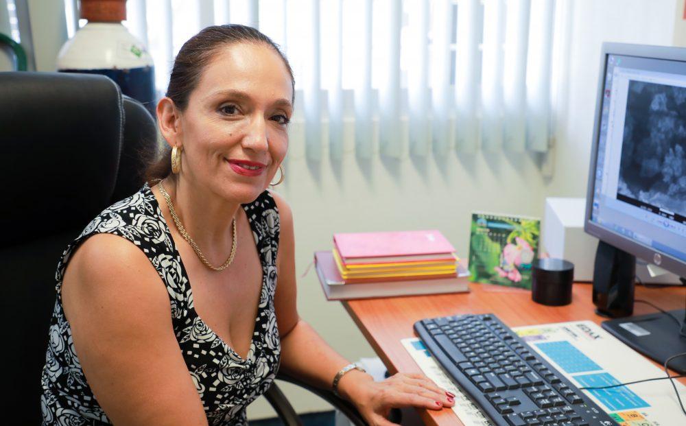 Investigadora de la UAA analiza el uso de materiales magnéticos para el tratamiento del cáncer