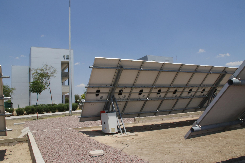 Estudiantes de la UAA desarrollan seguidor solar para mejorar el aprovechamiento de energía