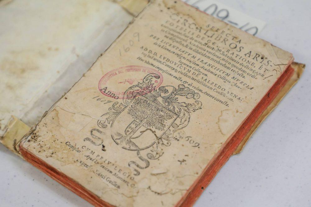 UAA busca preservar libros antiguos para enriquecer el estudio bibliográfico