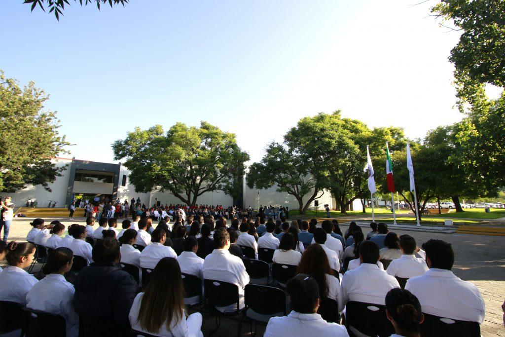 UAA reinstaura su Plaza de las Banderas haciendo un llamado a la inclusión de las comunidades indígenas