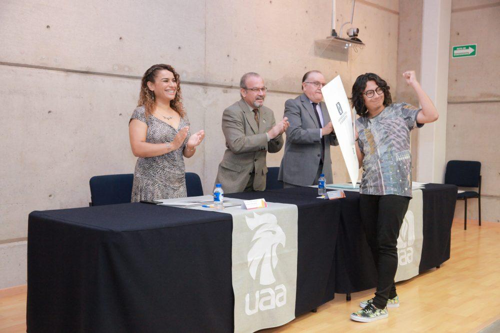 Entrega UAA premios a ganadores de concursos literarios