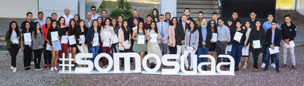 UAA reconoce a alumnos y maestros de excelencia del Centro de Ciencias Empresariales