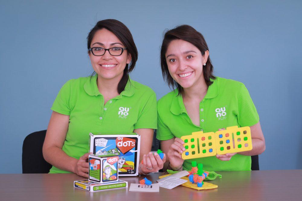 Reconocen a egresadas de la UAA por proyecto para la enseñanza del lenguaje braille
