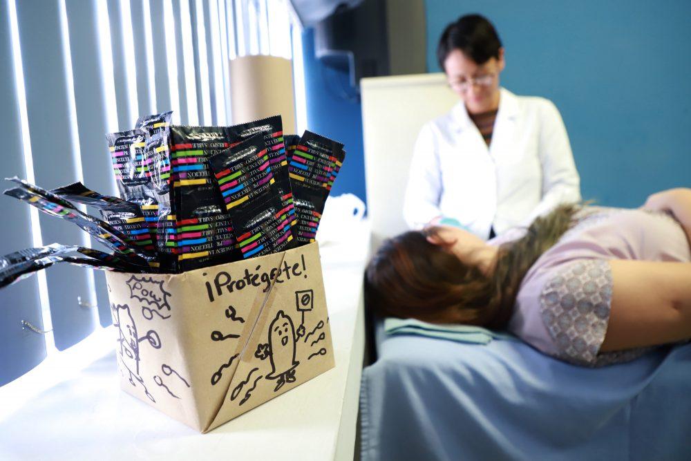 Consultorio de Salud Reproductiva de la UAA orienta sobre métodos anticonceptivos de forma gratuita