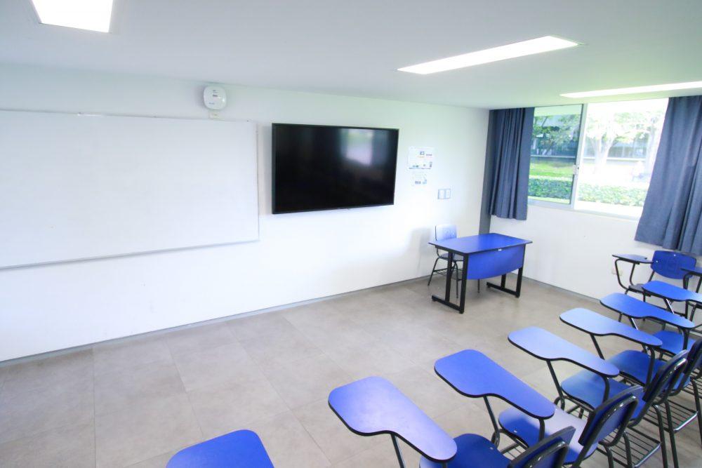 UAA fortalece la docencia en sus aulas con adquisición de tablets