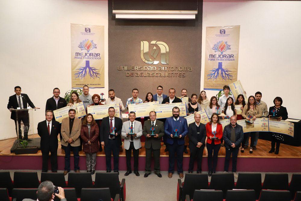 """UAA premia a los ganadores de la segunda edición de """"Ideas para mejorar tu Universidad"""""""