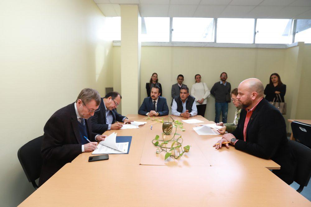 Concreta UAA incremento salarial del 3.4% con su Asociación de Catedráticos e Investigadores