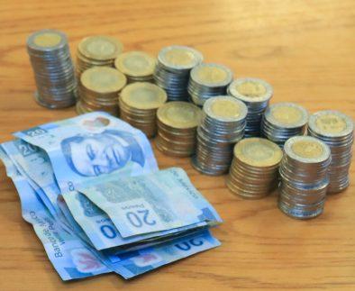 Experto de la UAA emite recomendaciones financieras para empresas y familias
