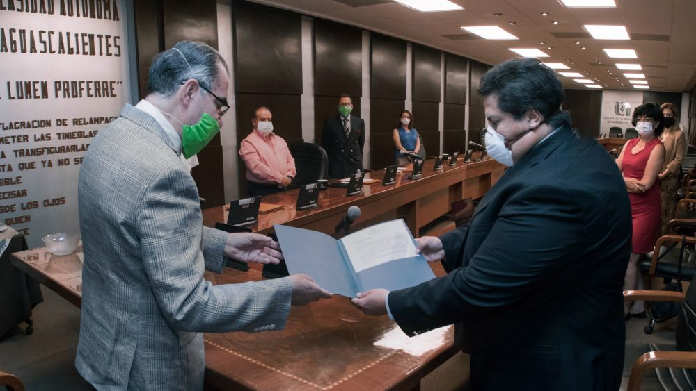 Rindió protesta Germán Ramírez Ortiz como contralor universitario para el próximo trienio