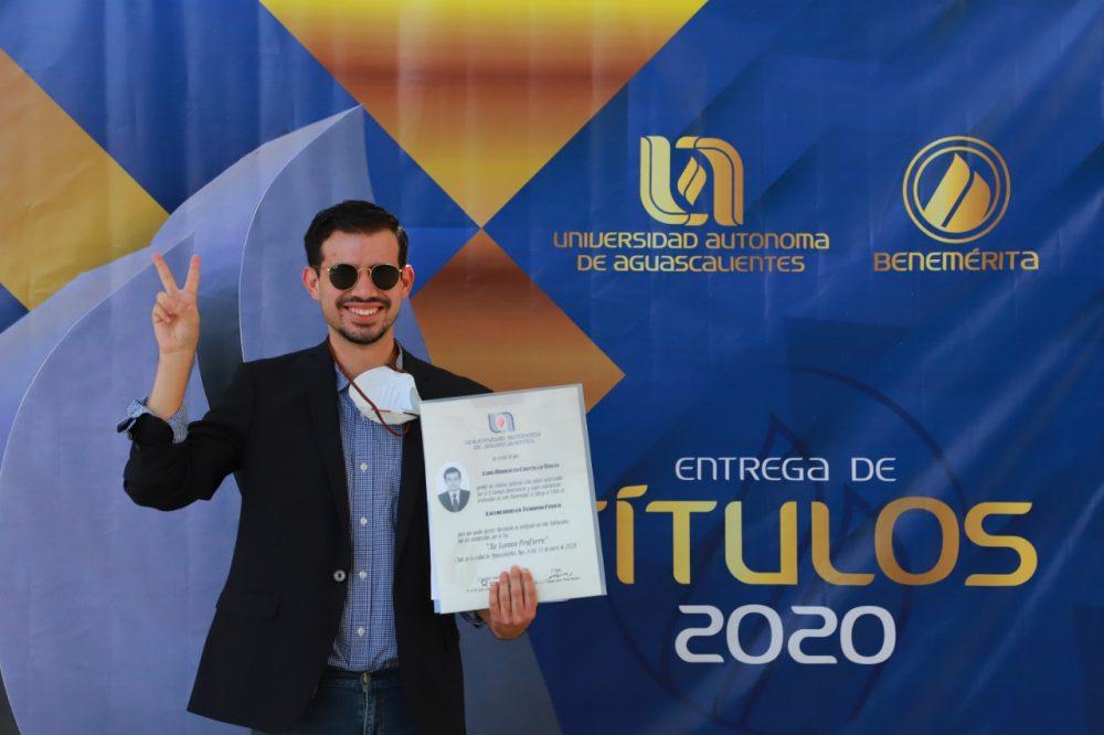 UAA inicia entrega de títulos de licenciatura, ingeniería y posgrado
