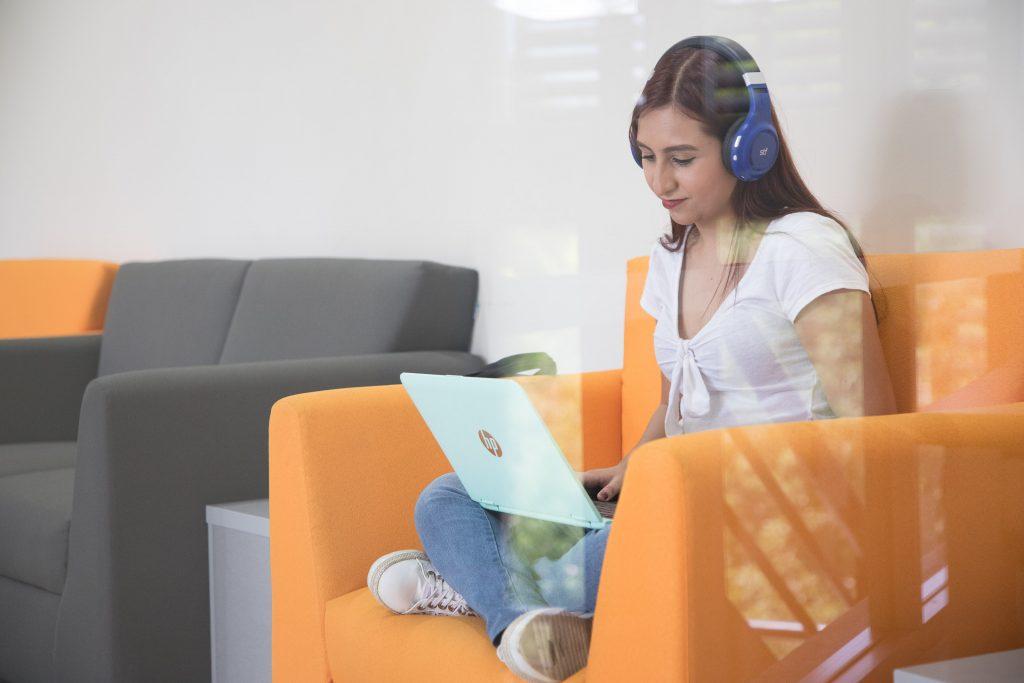 Estudiantes de la UAA realizarán EXANI III de manera virtual para cumplir requisito de titulación