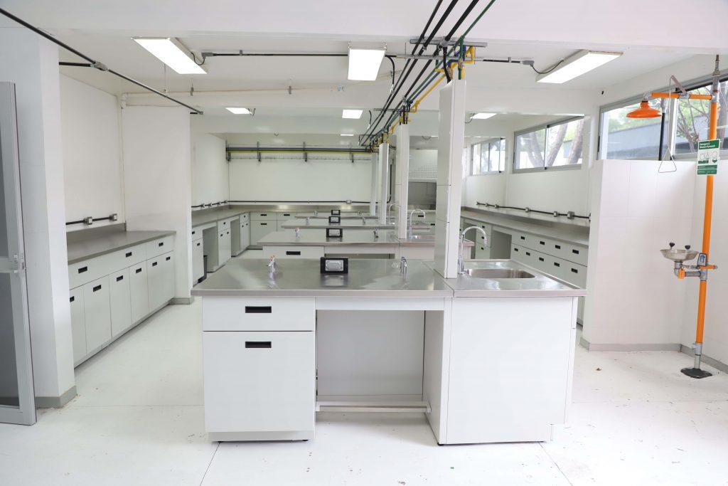 UAA fortalece laboratorios en beneficio de más de 500 estudiantes