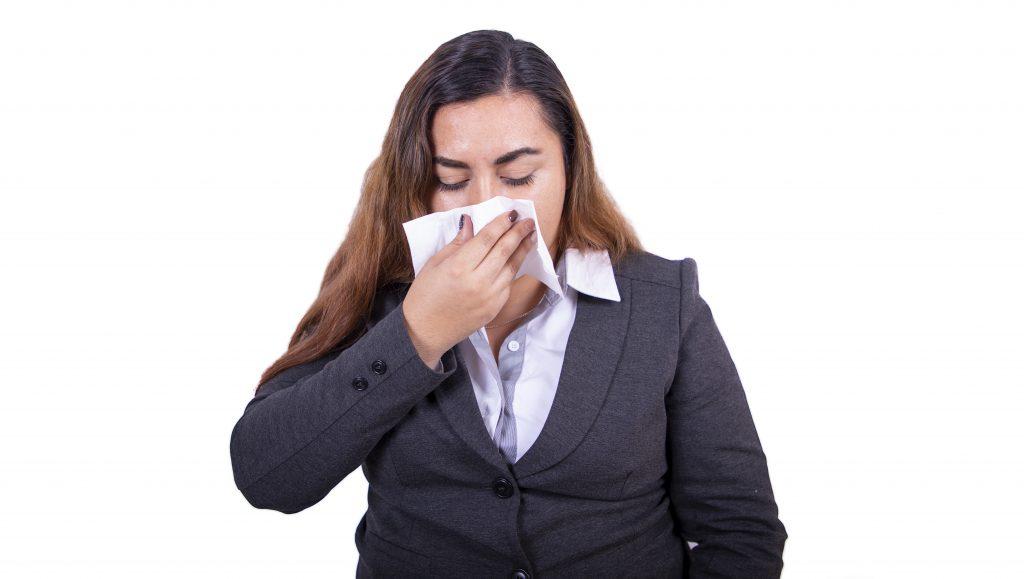 Para frenar la Covid-19 es clave reconocer síntomas de las afecciones propias de la época invernal, investigadora de la UAA