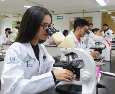 UAA fortalece vocación de investigación en los universitarios a través de miniproyectos