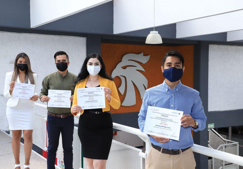 Estudiantes de la UAA ganan segundo y tercer lugar en Maratón de Ética del Colegio de Contadores Públicos del estado