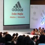 Diseñadores Mexicanos y Extranjeros Exponen su Trabajo en UNIMODAA 2011
