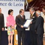 """CP Humberto Martínez de León Recibe Presea """"Saturnino Herrán"""" por Parte de la Fundación UAA"""