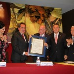 Alfonso Pérez Romo Recibe Presea Saturnino Herrán, por su Entrega y Compromiso Permanente con la Universidad Autónoma de Aguascalientes