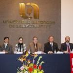 Dicta conferencia magistral en la UAA Juan Ramón de la Fuente