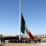UAA reanuda su programa cívico con la celebración de honores a la Bandera