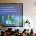 Catedrática del IPN presenta conferencia sobre tecnología textil en UNIMODAA 2013