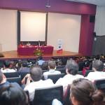 Estudiantes y empresarios se reúnen para analizar retos de la administración financiera