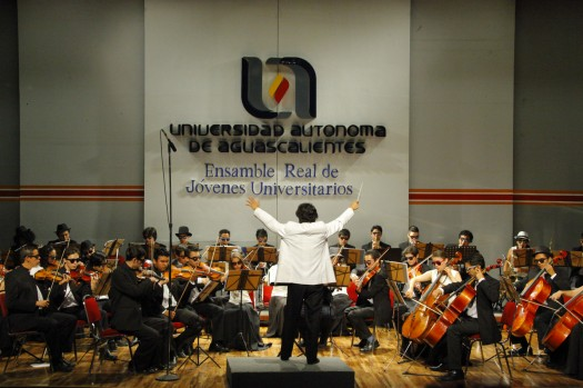 742 Ensamble Real J Universitarios