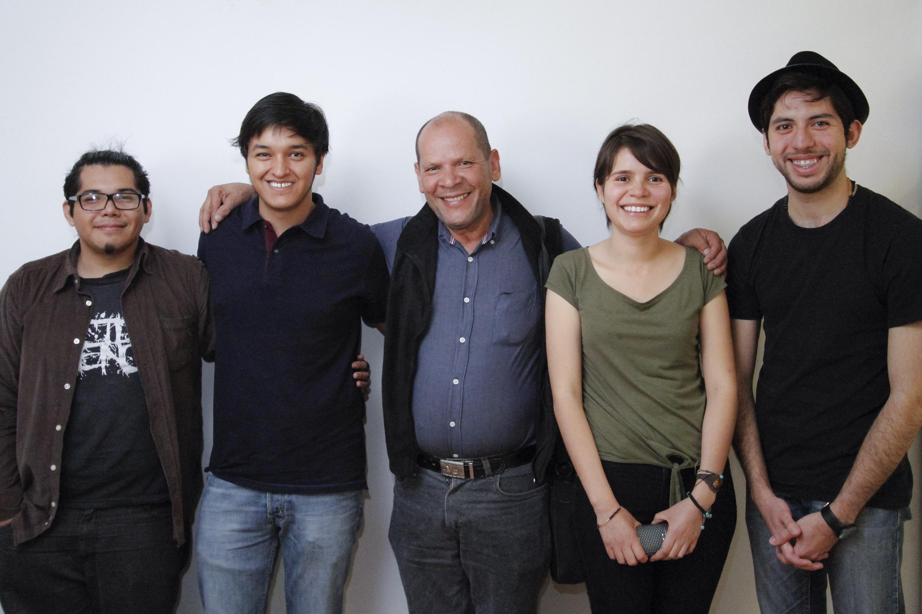 Dcrp estudiantes de la uaa realizar n proyecto en for Mural de la casa del migrante analyse