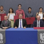Entrega UAA premios por concursos literarios, de crítica y arte