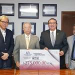 UAA recibe de su Patronato una donación de 275 mil pesos y el rector los destina al Fondo de Becas