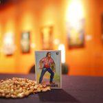 Presentan artistas en el Museo Nacional de la Muerte la exposición Lotería Mexicana, encuentro internacional de arte figurativo