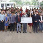 La iniciativa Juntos por Más Gallos de la FEUAA beneficiará a 40 estudiantes