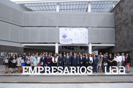 457-graduacion-empresas-incubadas-uaa-9