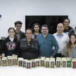 Estudiantes de la UAA generan imagen gráfica para cooperativa cafetalera de Chiapas