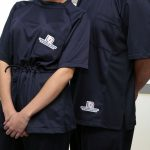 Catedráticos y alumnos de la UAA presentan innovador proyecto de pijamas quirúrgicas que permitirán mejores trabajos de clínica