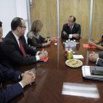 UAA recibió por parte de Banco Santander cheque para becas de movilidad estudiantil